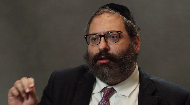 Rabbi Yossi Jacobson discusses the standards of how to act in order to be chosen, and names some reactions the world could have to that….