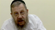 How much can we know about the future Messianic era? Is there any purpose in investigating its details?  In this casual discussion, Rabbi Dr. Immanuel Schochet explores some basic Jewish texts about Moshiach and the dangers of making speculations about his arrival.