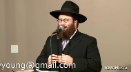 Yacov Young sings the Paltover niggun.