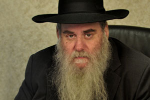 http://www.torahcafe.com/uploads/Rabbi%20Moshe%20Kotlorsky%20-%20Scholar%20-%20Large.jpg