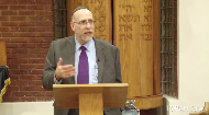 Chocolate chips and turkey oil, eggs and water, what are the kosher concerns?  Rabbi Norman Schloss answers questions from the audience in humorous style. Naturally the first question in about the parve status of chocolate chips. Watch the video to find out where turkey oil comes in.  ► Click here to watch thePart 1  This class was delivered at Chabad Lubavitch of Georgia.