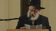 Rabbi Krinsky greets the Lay Leadership Program at the 27th Annual Kinus Hashluchim Conference that took place November 7, 2010.
