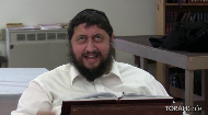 Rabbi Eli Silberstein sings a moving Chassidic melody with his unique dynamism and passion.  .