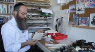 In addition to being an artist, Rabbi Moshe Braun practices safrut- Jewish Scribal Art.. In this fascinting, informative video, he takes viewers on a journey into the world of safrut. We learn about the different texts the sofer writes- Tefillin, Mezuzot, Torah Scrolls and Megillas, and Rabbi Moshe Braun shares all the little details that make up the wonderful world of Jewish scribal art.