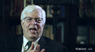 Renowned talk-show host Dennis Prager provides a candid look at several important and primal differences between men and women. Mr. Pragger concludes that once can view almost everything in this world from a masculine or feminine perspective and explains why children benefit from having both a male and female parent. .