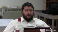 Rabbi Eli Silberstein sings a powerful Chassidic song, based on a few verses from Psalms.
