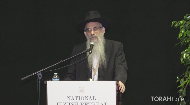Every day, rabbis are asked to make halachic decisions in all areas of daily life. What goes through a rabbi's mind when heart-stopping life and death decisions are at stake? One of Montreal's most respected Jewish legal expert reviews real-life quandaries posed by members of his community and how he was able to guide them through the most difficult decisions.