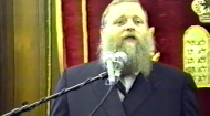Jewish law forbids causing unnecessary pain to animals and mandates feeding them before oneself, yet permits experimenting on them. How to understand this? And what is man's status in relation to other forms of life on the planet?  This presentation took place in 1993 at theInternational Conference on Judaism and Contemporary Medicine. The video recording is courtesy of Dr. Michael-Moshe Akerman M.D. who is the director of the conference.