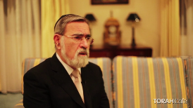 """3 minutes of inspiration.  When does the """"Bread of Affliction"""" become the """"Bread of Freedom""""? Rabbi Jonathan Sacks gives a eye opening explanation for the opening invitation to the Seder."""